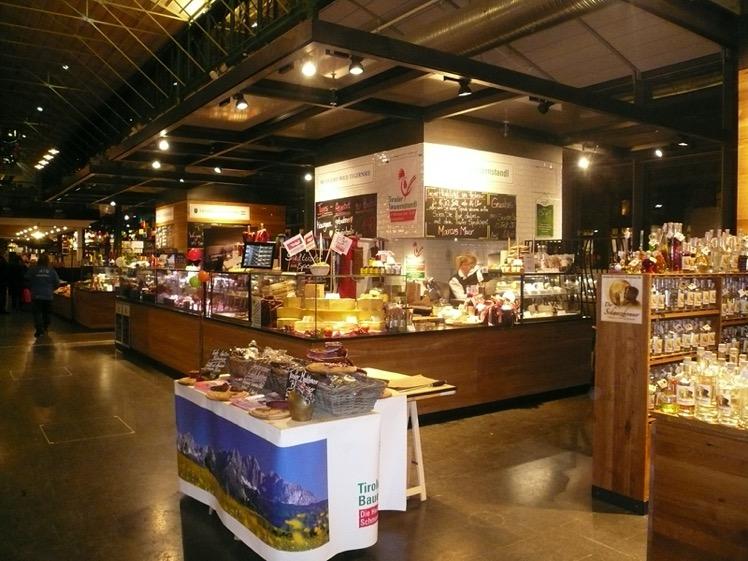 Otevření Tiroler Bauernstandl obchodu vMnichovské Schtannenhalle