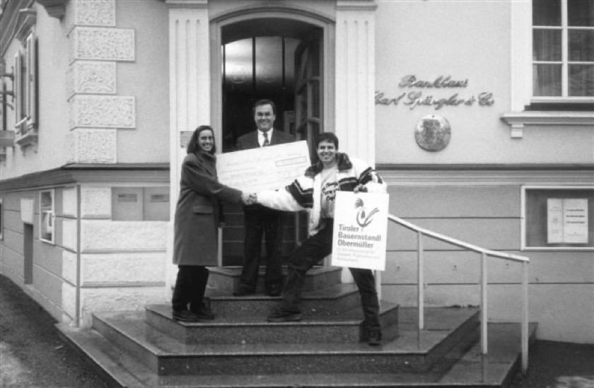 Tiroler vždy myslel na ostatní a již vroce 1993 věnoval 10.000 Rakouských šilinků Cornelii Meidlerové na její Jihoamerický projekt.