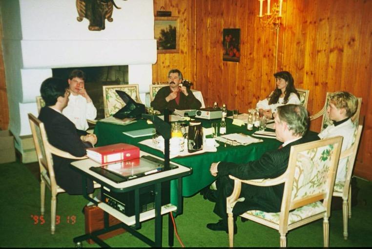 První konference Tiroler Bauernstandl vKitzbühelu